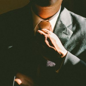 あなたが会社にマインドコントロールされるまでの3つのステップ